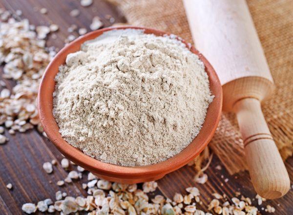 از خواص آرد جو می توان به کاهش وزن، کنترل فشار خون،کاهش بیماری های قلبی و...اشاره کرد.
