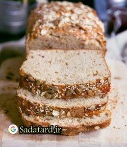 آرد گندم کامل به علت فسفر موجود در آن به سلامت استخوان ها بسیار کمک می کند.