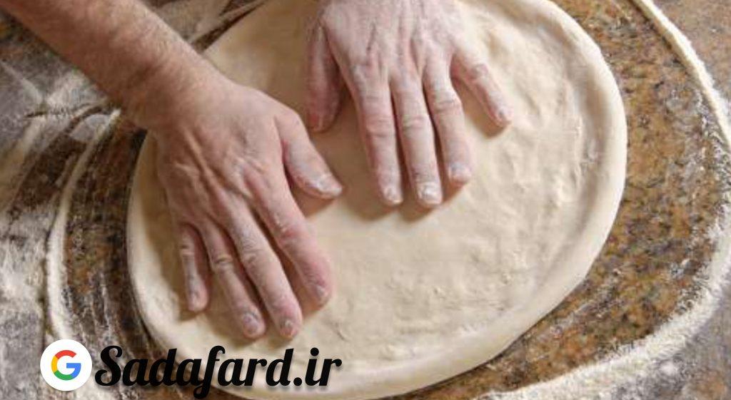 آرد خمیر پیتزا و توجه به کیفیت و نوع آرد مورد استاده
