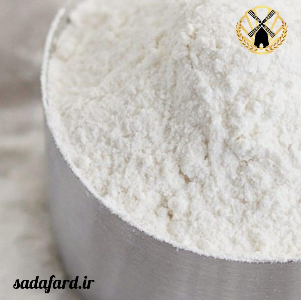 فروش عمده آرد نول به صورت کیسه ای و فله ای برای لوازم قنادی ها، شیرینی پزی ها و بسیاری از کارگاه ها انجام می شود.